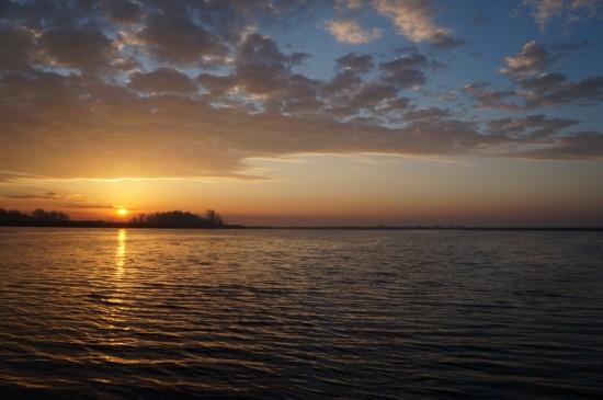 Rasarit de soare pe Jezero Joca