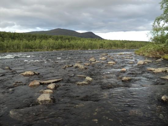 Bolovanii faceau dificila deplasarea prin apa