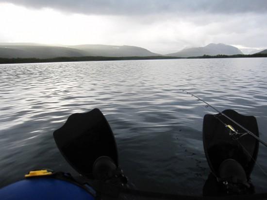 Cu belly boat-ul pe lac