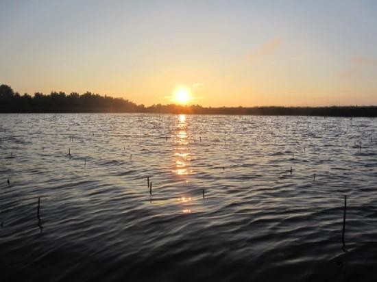 Rasarit de soare la Jezero Joca